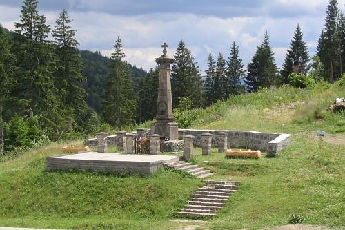 MONUMENT COZMENI