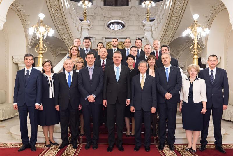 guvernul-ciolos-foto cu WKI