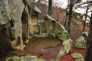 Biserică rupestră din Buzău V