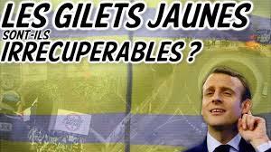 """Această imagine are atributul alt gol; numele fișierului este """"Gilets-jaunes""""MACRON-recup.jpg"""
